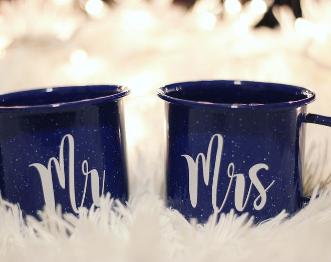 Mr & Mrs. Vintage Mug Set