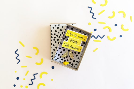 "Little message box (small version) ""When life gives you lemons, make lemonade""."