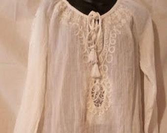 a903455e51ba7c 90s Vintage Boho Hippie Gypsy Peasant Blouse-White Gauze Top-44