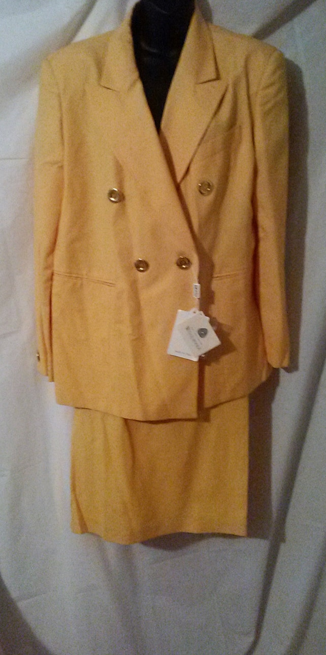 """BIG CLEARANCE SALE-80s Vintage Wool Business Suit-Made in Italy-NoS-Deadstock-48"""" Bust-xL-Size 16-High End Preppy Career-Resort-Cruise"""