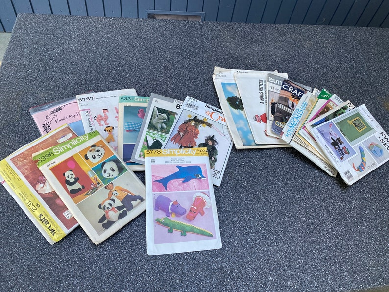 Vintage Lot of #20 Child Craft Sewing Patterns Toys Stuffed Animals Dolls Decor McCalls Simplicity Butterick