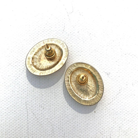 Vintage Oval Pearl and Gold Earrings - image 2