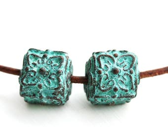 Cube metal beads, Green patina on copper, flower ornament Greek beads, Lead Free, green patina cubes - 10mm - 2Pc - F218