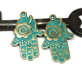 2pc Brass Hamsa Hand Boho charms, Green Patina Healing hand metal pendant bead, Greek metal casting - F537