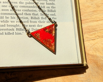 Red necklace triangle, triangular red pendant, bright red necklace, nickel free, bronze triangle necklace, scarlet necklace, red gold neck