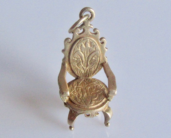 9ct Gold Engraved Chair Vintage Charm