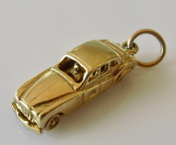 9ct Gold Jaguar Car And Driver Moving Charm or Pen