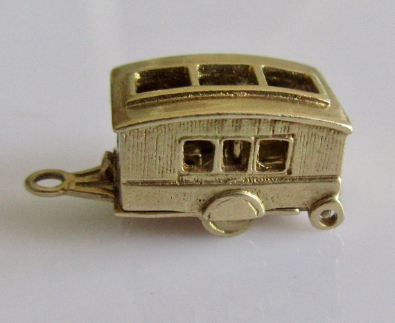 9ct Gold Retro Caravan and Furniture Opening Charm