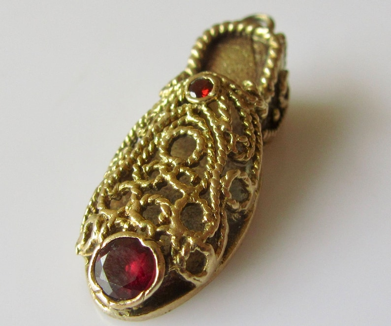 9ct Gold and Garnet Shoe Charm or Pendant