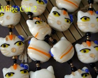 Handmade Cute Lampwork Glass Cat Beads, 2-Beads Pack L10112