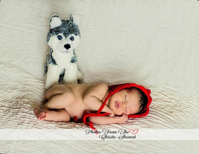 CROCHET HAT PATTERN: Newborn Pixie Bonnet bonnet pattern image 0