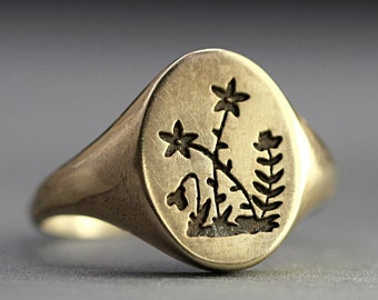 Flower Signet Ring. Gold ring for woman. Vintage style wildflower ring. Promise ring.