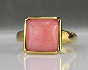 Dainty peachy marble ring. Square 18kt gold plated ring with dolomite marble.
