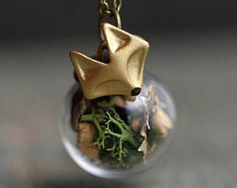 FOREST FOX Necklace. Handgilded fox head. Glass orb with real moss and tree bark. Bronze necklace. Gift for her.