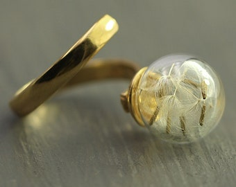 Real dandelion wrap around Ring. Gold plated sterling. Twisted ring with dandelion seeds in glass orb. Modern minimalist nature jewelry.