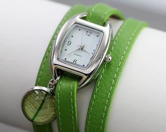 GREEN Wrap Watch with real LEAF. Light green nappa leather with stainless steel watch and leaf charm. Delicate ladies watch. Gift for her.