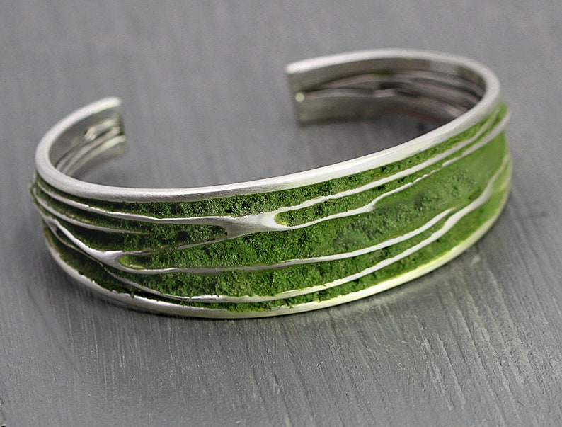 Rustic woodland jewelry. Adjustable Sterling MOSS BANGLE Womens Bracelet Cuff bangle with moss inlay