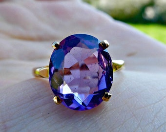 Vintage 9ct Yellow Gold Amethyst Solitaire Claw Set Cocktail Ring Size 8 / Q, Amethyst February Birthstone Anniversary Ring