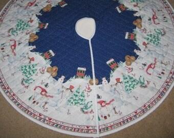 1ac6d518f5 Daisy Kingdom Snowman Winter Village Quilted Tree Skirt