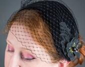Black Fascinator - veil fascinator, fascinator headband, kentucky derby hat, wedding fascinator, cocktail hat, 1950s hat, velvet, fascinator