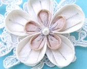 Kanzashi Hair Flower, Japanese wedding, winter wedding, ivory kanzashi, short hair bridal, bridal hair clip, lace hair clip, ivory clip