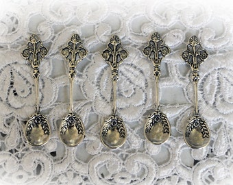 Reneabouquets Silver Spoons Trinkets 5 Pack~Scrapbook Embellishment, Craft Supply, Jewelry Charm