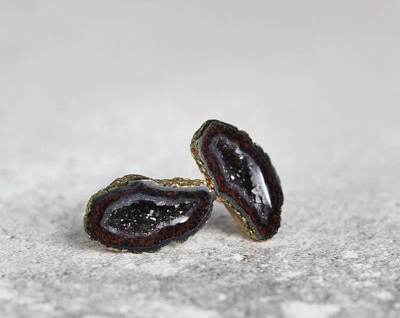 Tabasco Geode Earrings - Geode Crystal Studs
