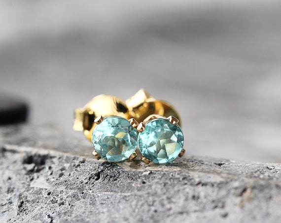 Ocean Blue Earrings - Apatite Studs