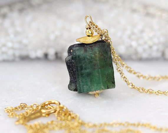 Raw Emerald Necklace -  May Birthstone Necklace  - Gold Emerald Jewelry - Rough Emerald Pendant - Natural Stone Necklace - Gift For Her
