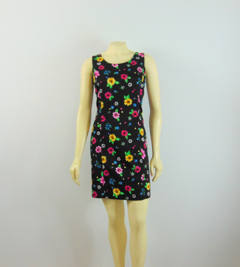 Totally 90s Floral Dress MATCH Black Floral Sheath Dress Bright Flowers Modern Size Medium to Large