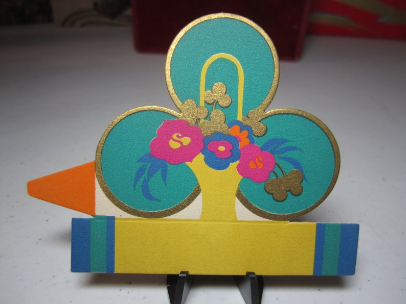 Unused art deco 1920/'s-30/'s gold gilded Gibson St.Patrick/'s themed place card bright green clover colorful basket of stylized deco flowers