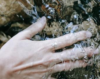 Pebble silver ring, balance pebble ring, stackable ring, small silver ring, simple silver ring