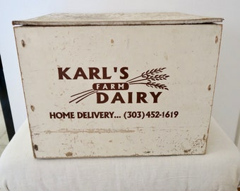 Vintage Karl's Dairy Farm Large White Wood Milk Dairy Bottle Box Crate