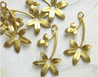 Raw Brass Flower, Brass Leaf Stamping, Flower Charm, Charm Drop 16mm x 30mm - 6 pcs. (r143)