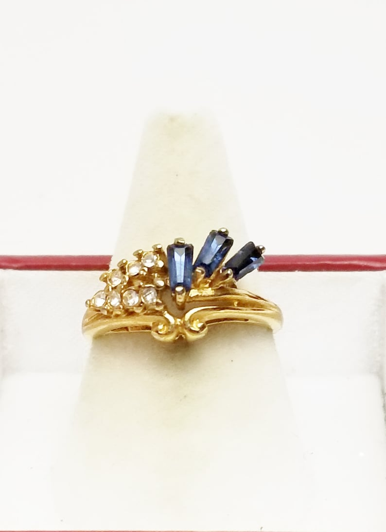 1970's Vintage 18 k Gold Plate Ring Sapphire Blue image 0