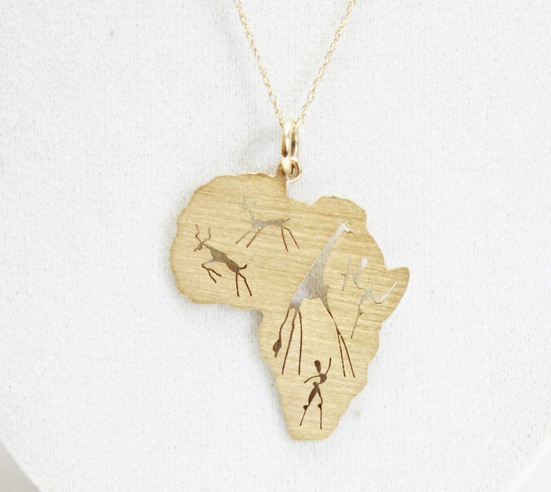 9 K Solid Yellow Gold African Continent Animal & Tribal image 0