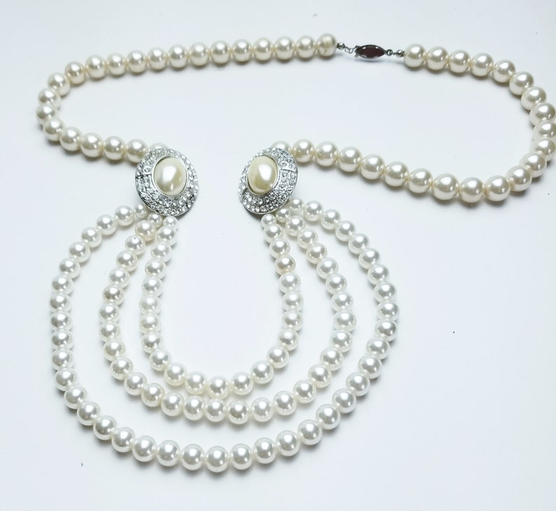 Statement NECKLACE 3 Strands of Simulated Glass Pearls image 0