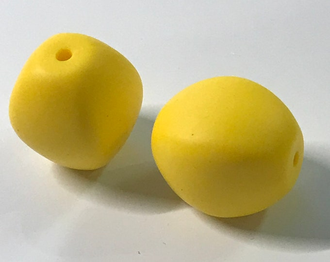 Chunky Olive Silicone Teething Beads // Yellow Beads // Flat Silicone Bead // Large Pendant Bead // Baby Teething Beads // Silicone Bead