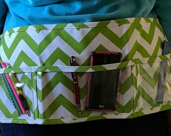 Utility Apron // GrEeN cHeVrOn // Teacher Apron // Clear Pocket Apron // Craft Apron //Teacher Gift // Gift Idea // Under 20