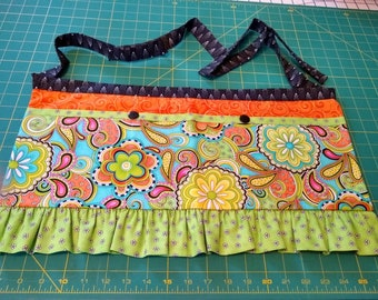 Long Girly Utility Apron // Paisley Print // Teacher Apron // Craft Apron //Teacher Gift // Gift Idea // Under 35