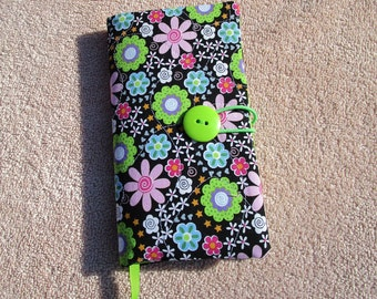 Fabric Covered Pocket Calendar // Refillable 2020 Planner Organizer // For Her // Under 10 Handmade Gift Idea for Purse Desk / Flowers
