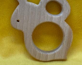 adorable beech wood BUMBLE BEE <77> insect Shape // bumblebee // baby teething // eco friendly