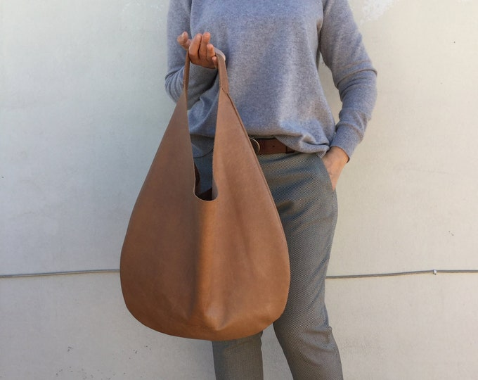Hobo leather bag/ Biege  leather hobo/ Brown distressed bag/ Oversized hobo bag