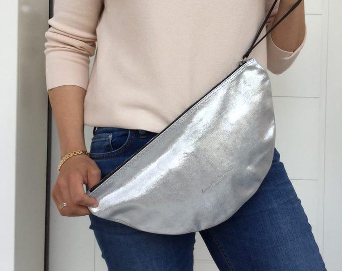 Minimal clutch/ Leather Zipper clutch/ Silver leather clutch