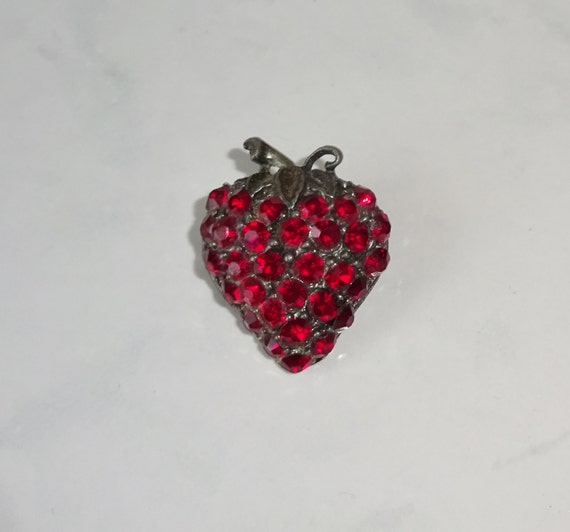 Vintage Brooch Strawberry Rhinestone Strawberry Sh