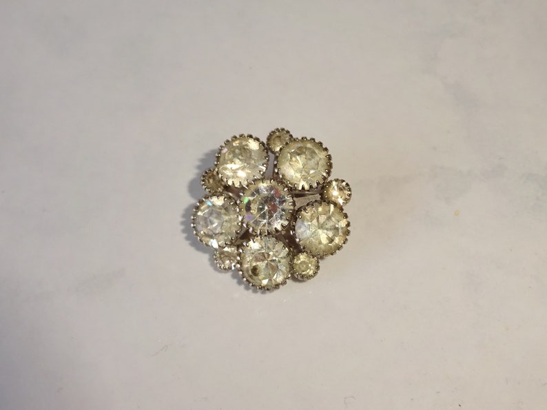 ffe29fcb6e Vintage Rhinestone Brooch Pin Round Small