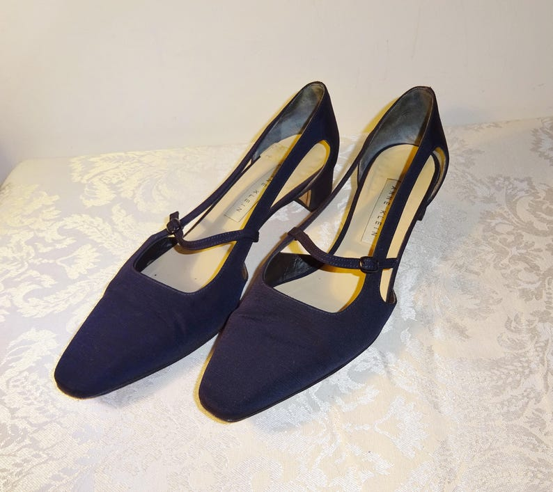 76362e96bd834 Vintage Vintage Anne Klein Pumps Navy Size 7 1/2 N Narrow Italy Ribbed  Satin Strappy Pumps Shoes