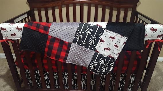 Bébé garçon lit bébé literie - orignal, ours, flèche noire, chèque de buffle noir rouge et noir Minky lit bébé literie Ensemble