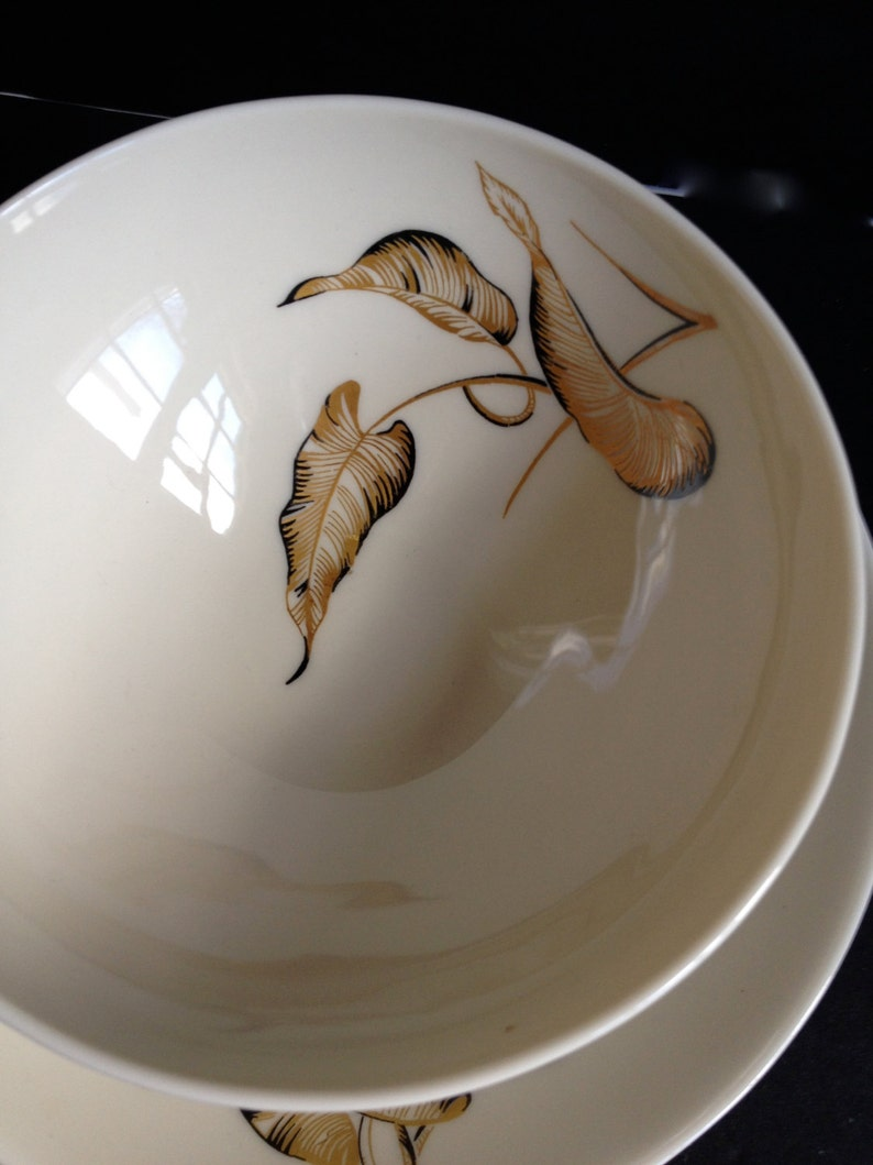 Mid Century Lyana Sauce Bowl