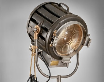 1940's 410 2K Mole Richardson Vintage Hollywood Movie Light: [the classic Hollywood Work Horse since forever]